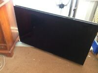 Bang&olufsen , beovision 7-40 Television, built in DVD, electric stand , good condition