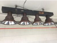 Industrial style lighting bar with 4 pendant lamps