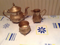 Full set of teapot, sugar bowl and milk jug - REDUCED FOR A SPEEDY SALE