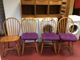 Set of four oak dinning chairs