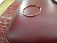 9 ft gold bangle