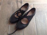 Bloch child's tap shoes