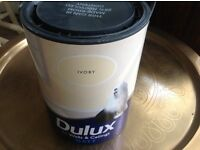 Deluxe Matt emulsion 5l pot unopened in ivory