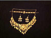 SET Necklace, earrings, bracelet, Gram 44, 21 22 CT gold Jewellery