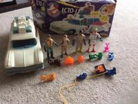 Ghostbusters Ecto-1 and figures
