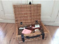 Gift hamper (fill it with Christmas or beauty gifts)