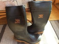 Men's steel toe cap wellington boots