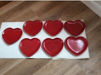 RED HEART SHAPED FLORA PLATES X 7