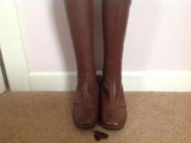 Morlands sheepskin lined boots 4.5