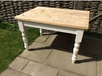 Farmhouse Style Old Pine Scrubbed Table