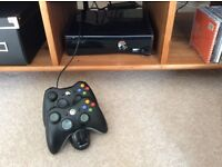 Xbox 360 250GB + 2 controllers and charger