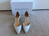 SIZE 6 ( 39 ) SILVER METALLIC SHOES (bridal shoes)