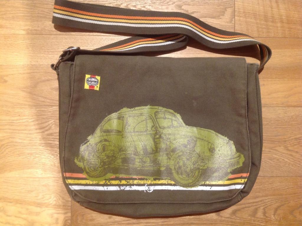 7c317c2d5acef4 JOB LOT  14 Men s bags - Rucksack (backpack)  Shoulder Bags (inc. Ted Baker   Diesel  Haynes  Wenger)