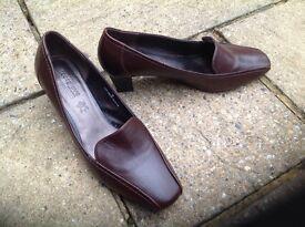 Footglove brown ladies shoes