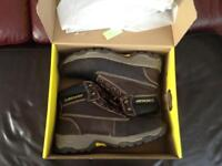Dunlop size 9 work boots used once