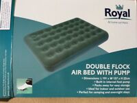 DOUBLEFLOCK AIR BED WITH BUILT IN FOOT PUMP