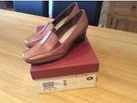 EE fit, Never worn, ladies shoes