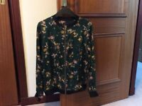 M&S ladies green floral jacket. Size 10