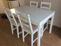 Dining table and 4 chairs with cushions
