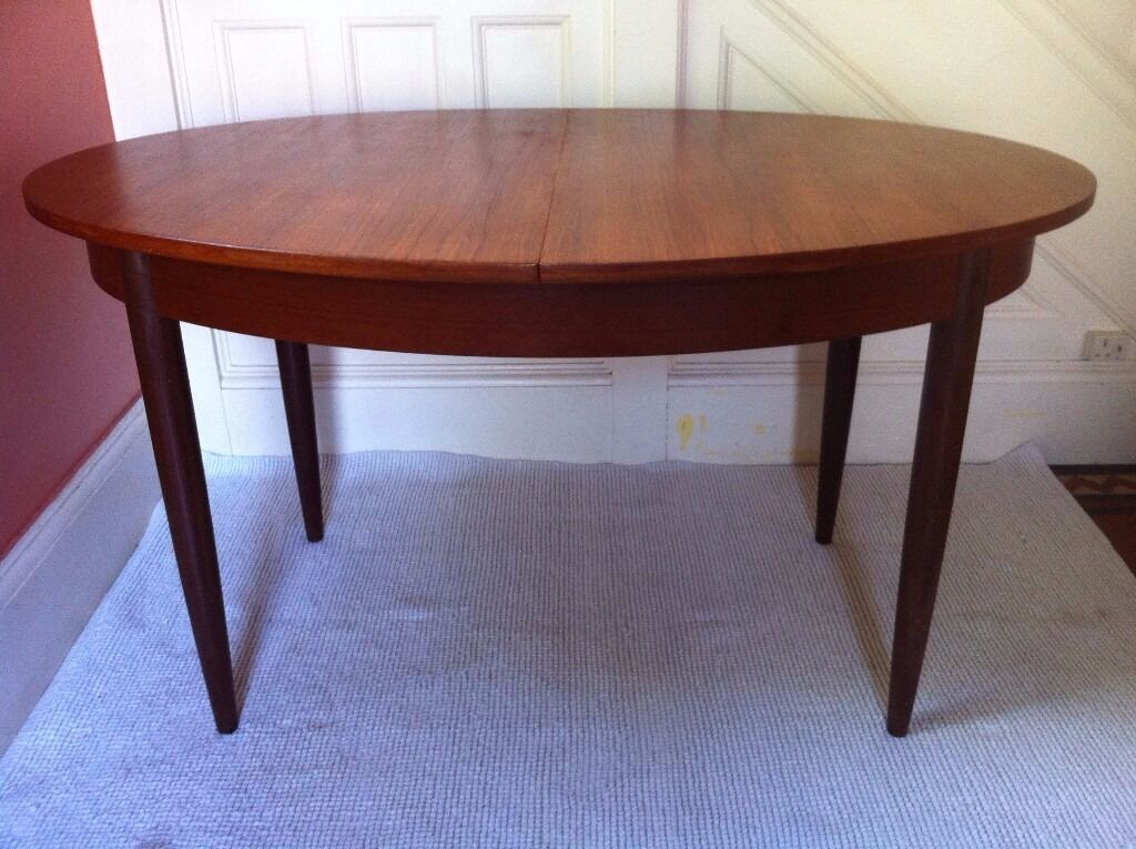 Elegant Vintage Oval Dining Table / Can Deliver