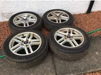 Ford 5stud alloys with tyres too.