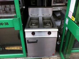 CATERING COMMERCIAL TWIN TANK GAS FRYER CAFE RESTAURANT KITCHEN KEBAB CHICKEN BAR PUB