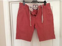 Men's Coral Fatface Shorts, button front, 36 waist, good con, 2 rear pits,(1 button miss not seen)