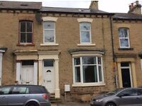 Large Family house with 2 double rooms to let