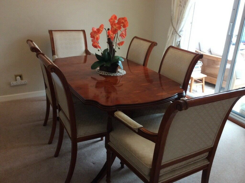 Attractive extending MINSTER Yew Dining Table + 4 chairs ...