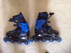 Adjustable inline roller skates