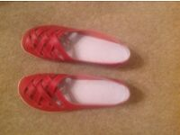 2 new pairs of ladies shoes. Size 5