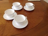 For sale: 4 cups and saucers Belleek Living