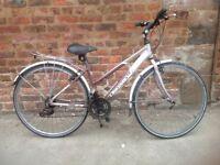 Dawes discovery ladies hybrid bike, in good order