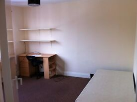 DOUBLE ROOM 7 SINGLE ROOM TO LET IN 5 BED ROOMED DORMER COTTAGE OFF CHESTER RD