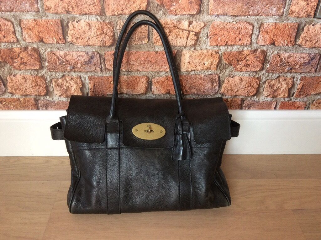d844b4bb9e Beautiful Mulberry Bayswater handbag in classic soft black Darwin leather  with brass fixtures