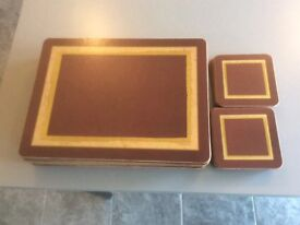 Table runner with placemats, coasters and matching napkins