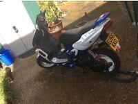 peugeot speedfight 2 moped 49cc needs a new throttle cable one on it is going so needs a new one