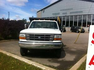 1994 Ford F-450 FLATBED (non- dompeur)