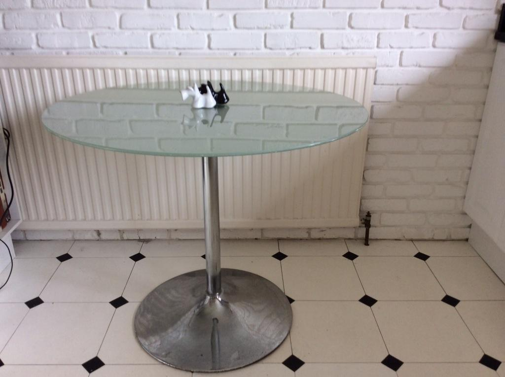 small glass dining table in inverurie aberdeenshire