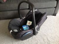 Maxi Cosi cabriofix - black. New with tags