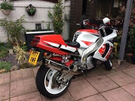 Yamaha yzf 750 r ,great condition,5 valves per cylinder,fully working exup power valve