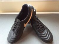Tiempo Football Boots -new /used once- for sale £15.00
