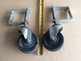 Gate wheels
