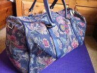 VINTAGE CARLTON INTERNATIONAL TRAVEL Tapestry BAG / HOLDALL