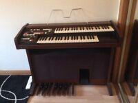 Technics organ and stool. Good condition