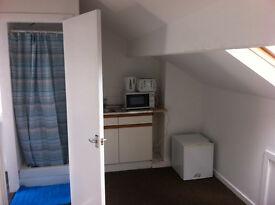 Newly Refurbished studio flat, £68.00 per week, no agency fees, £200 deposit