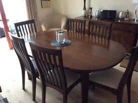 Laura Ashley Beautiful dining table and 6 matching chairs - AS NEW!