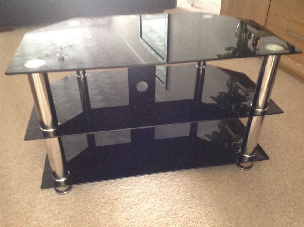 Black Glass Chrome Tv Stand Excellent Condition In Ashton In