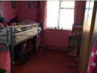 2 bed gff with own garden looking for 2 or3 house or massernet