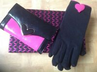MORGAN PURSE & GLOVES SET. NEW.